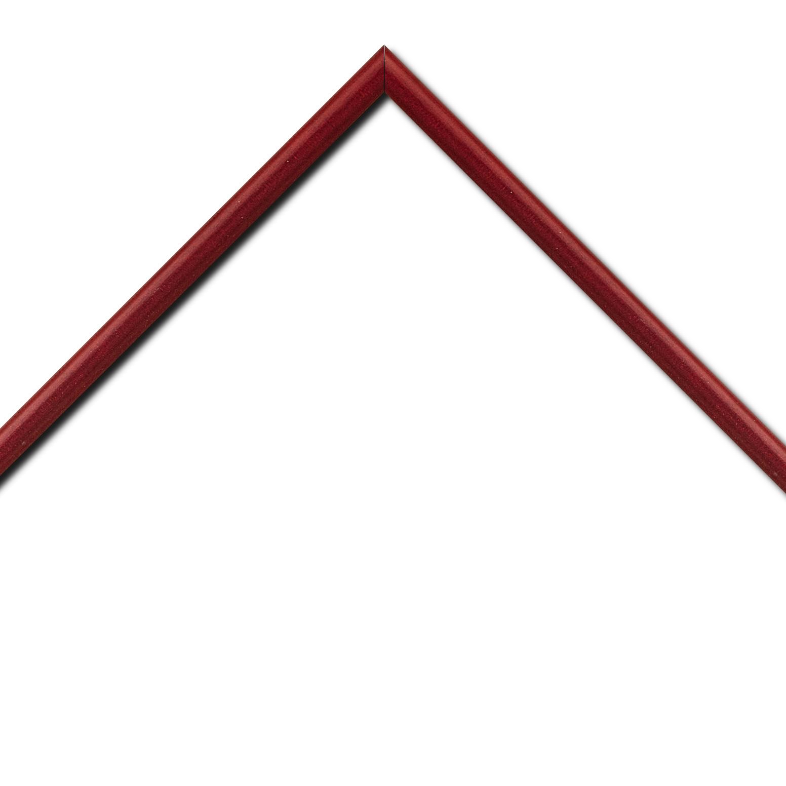Baguette bois profil demi rond largeur 1.5cm couleur bordeaux satiné