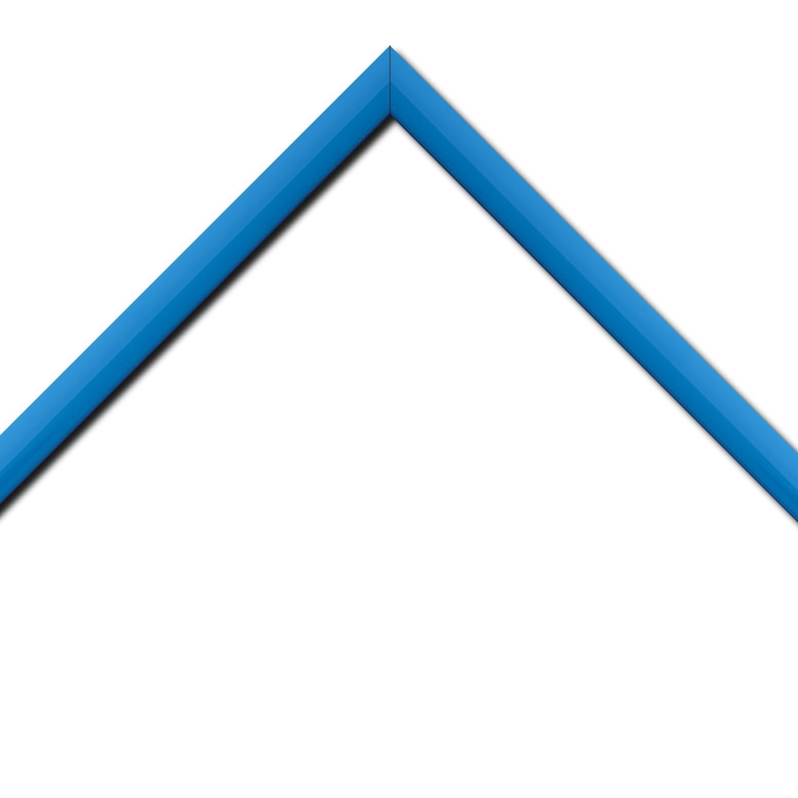 Baguette bois profil méplat largeur 2.3cm couleur bleu clair laqué