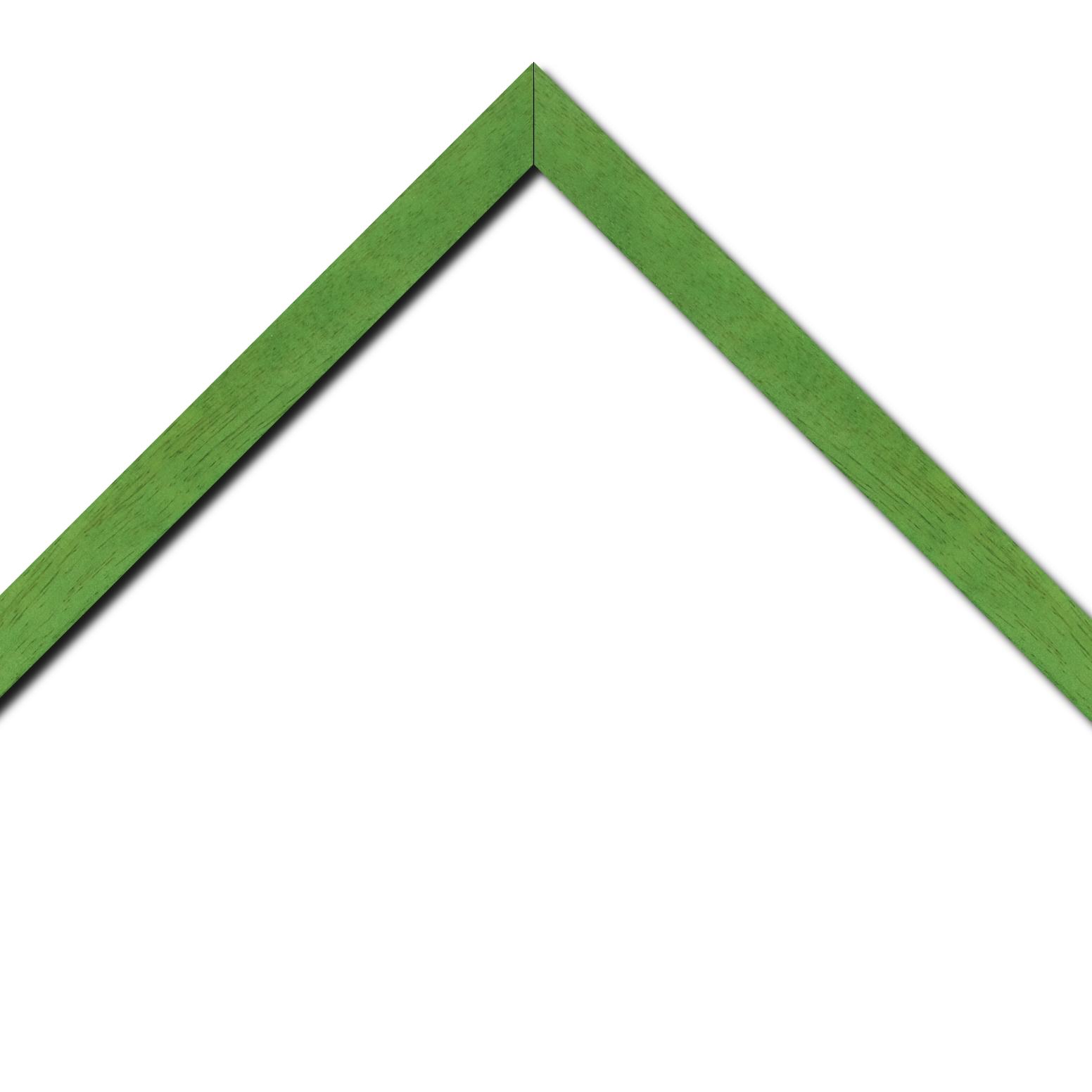 Baguette bois profil plat largeur 2.5cm couleur vert menthe satiné