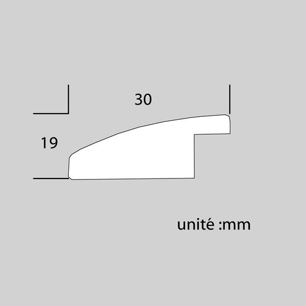 Cadre cadre bois profil plat en pente largeur 30mm complet de couleur bordeaux strié dimensions 18x24 cm, à poser ou à suspendre horizontalement ou verticalement. verre normal, mise en place du sujet dans le cadre simple et rapide, ouverture et fermeture du cadre par pointes flexibles. fond en isorel. - 18x24