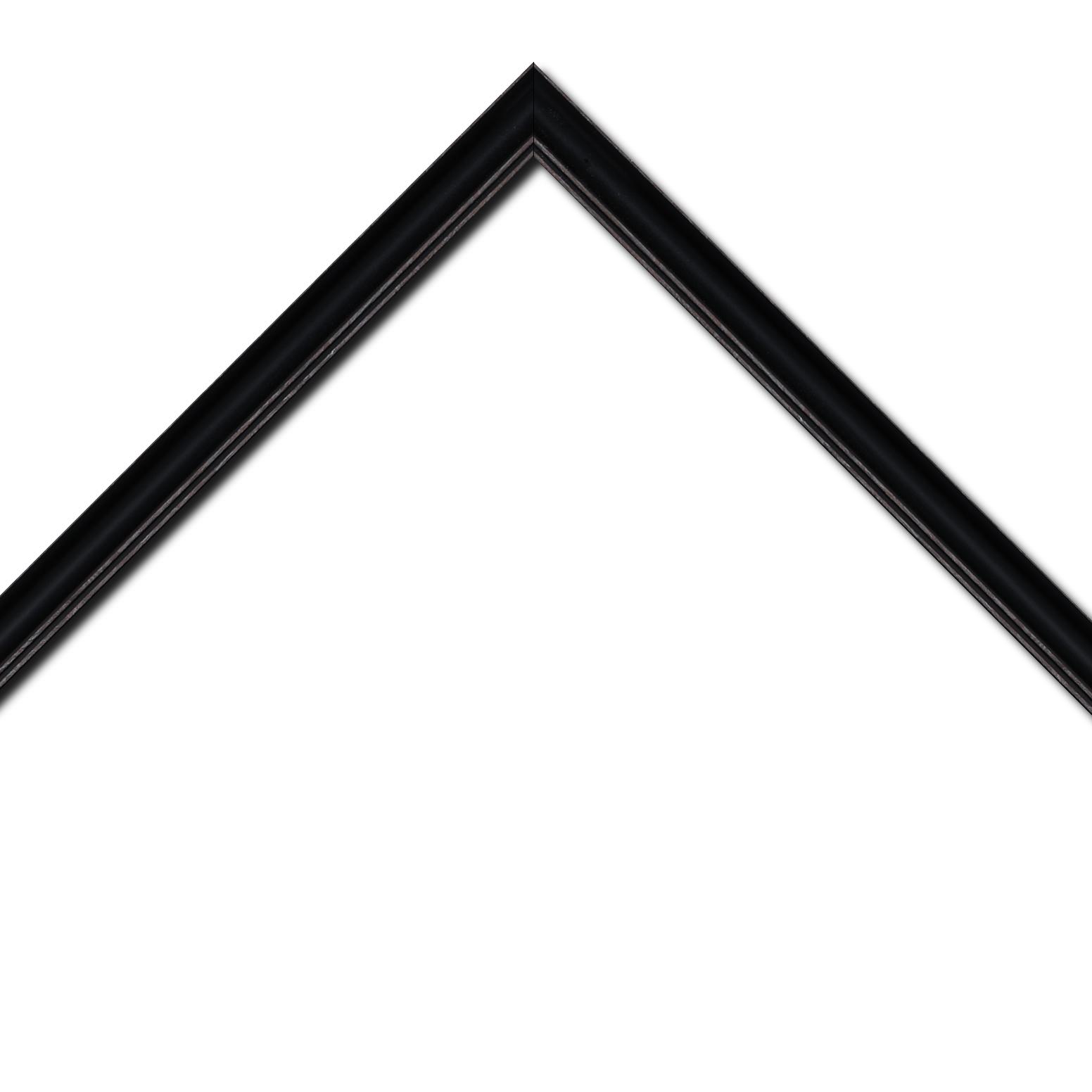 Baguette bois profil doucine inversée largeur 2.3cm noir satiné bord ressuyé