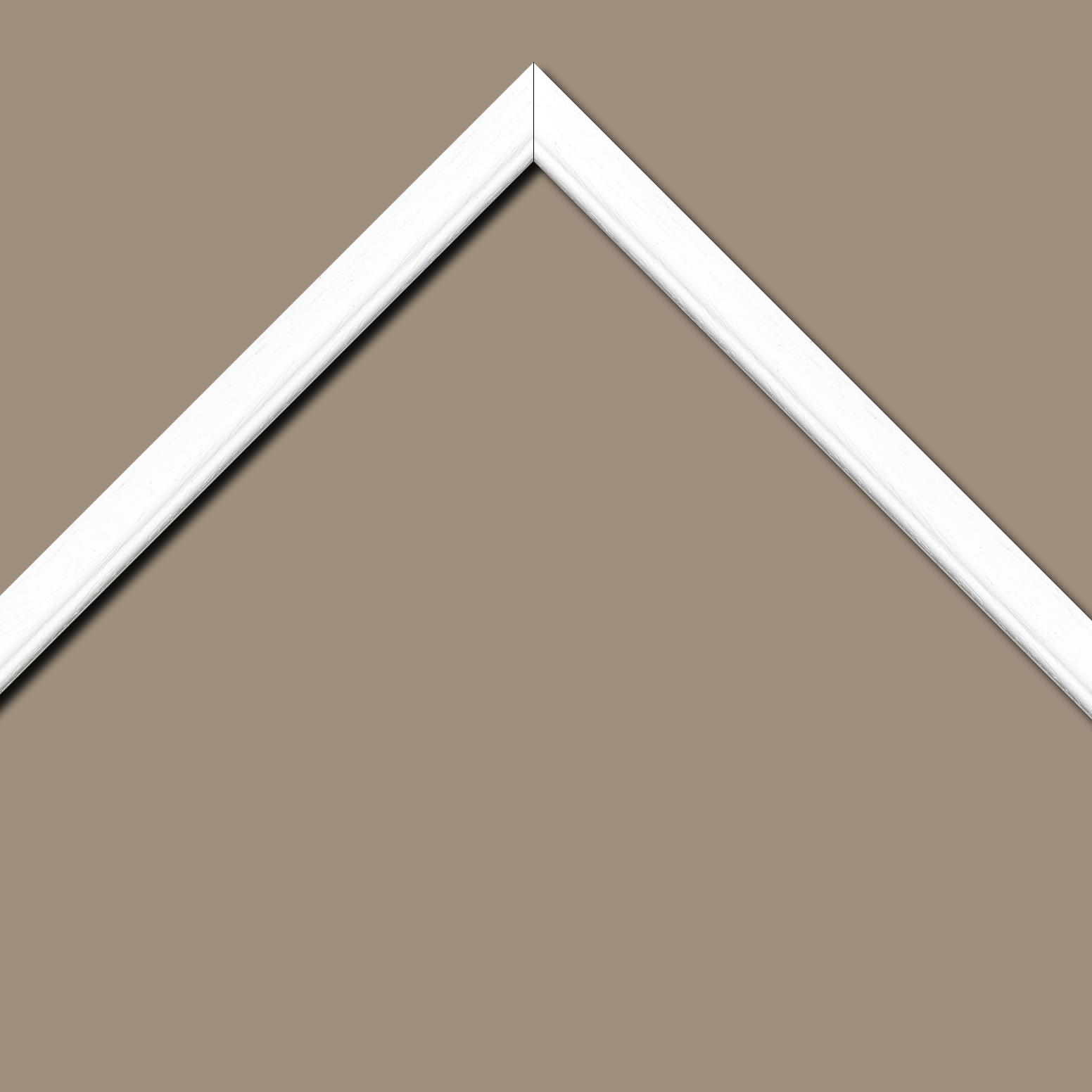 Baguette bois profil bombé largeur 2.4cm couleur blanc satiné