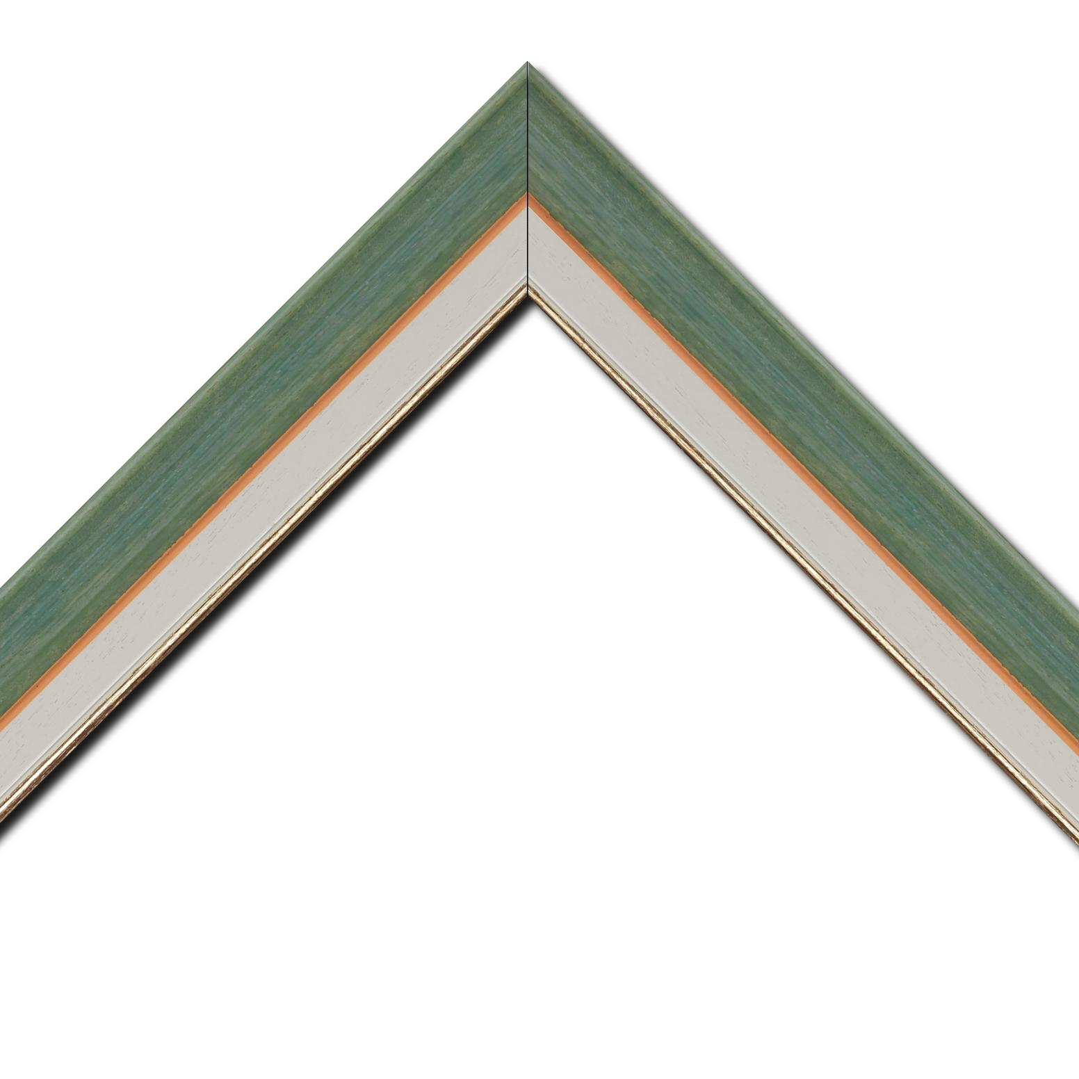 Baguette bois profil incurvé largeur 3.9cm couleur vert amande satiné filet or + bois profil plat marie louise largeur 2.5cm couleur crème filet or (largeur totale du cadre 5.8cm)