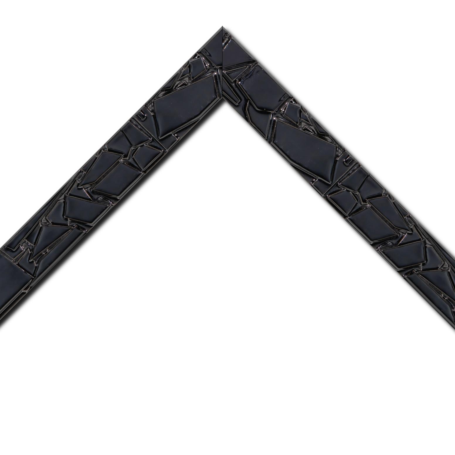 Baguette bois profil plat largeur 4.2cm couleur noir laqué effet mosaïque déstructuré