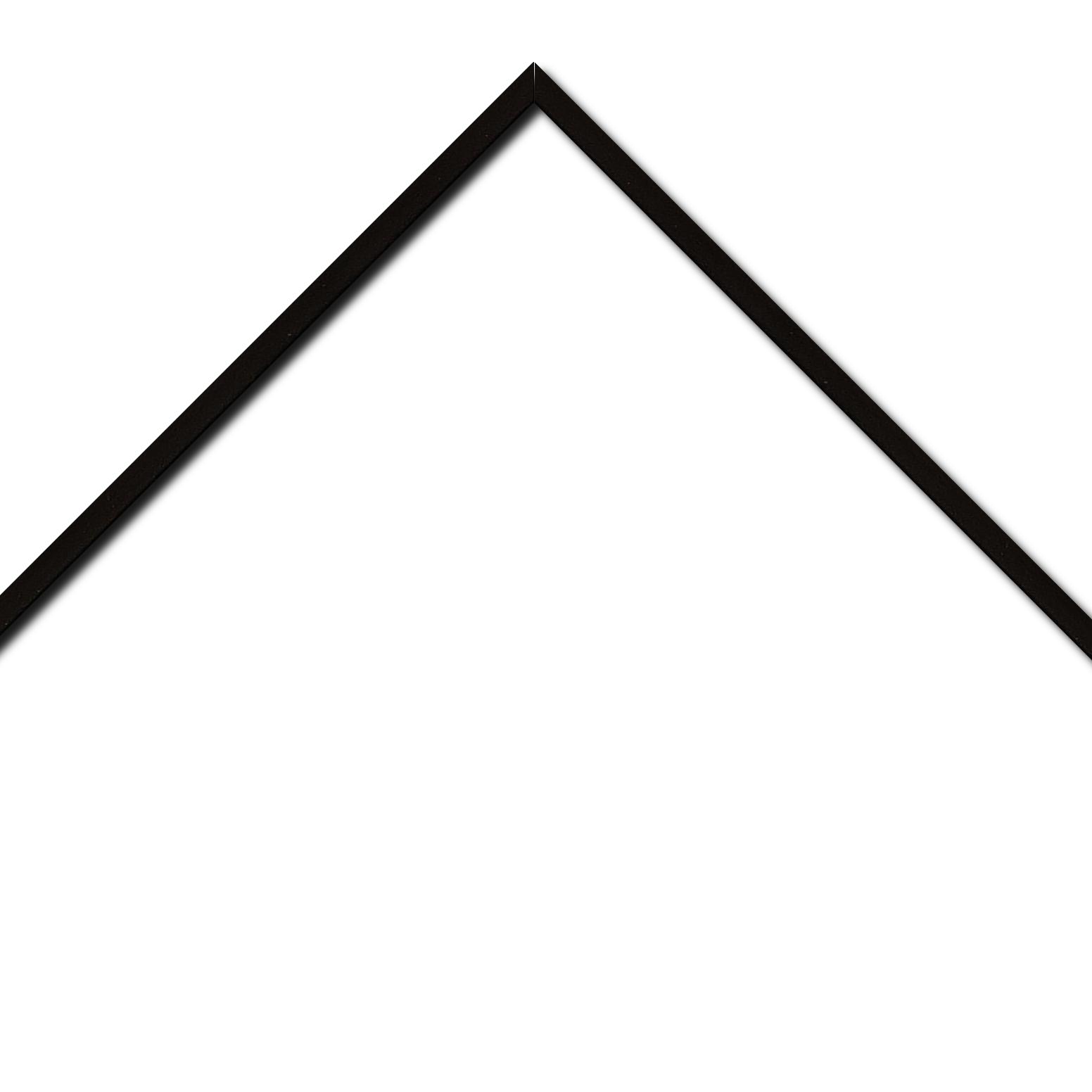 Baguette aluminium profil plat largeur 1cm couleur noir satiné (mise en place du sujet très rapide et très simple,sans démontage du cadre car angles sertis ) encadrement livré monté prêt à l'emploi (cadre fabriqué à vos mesures dans nos ateliers de besançon)