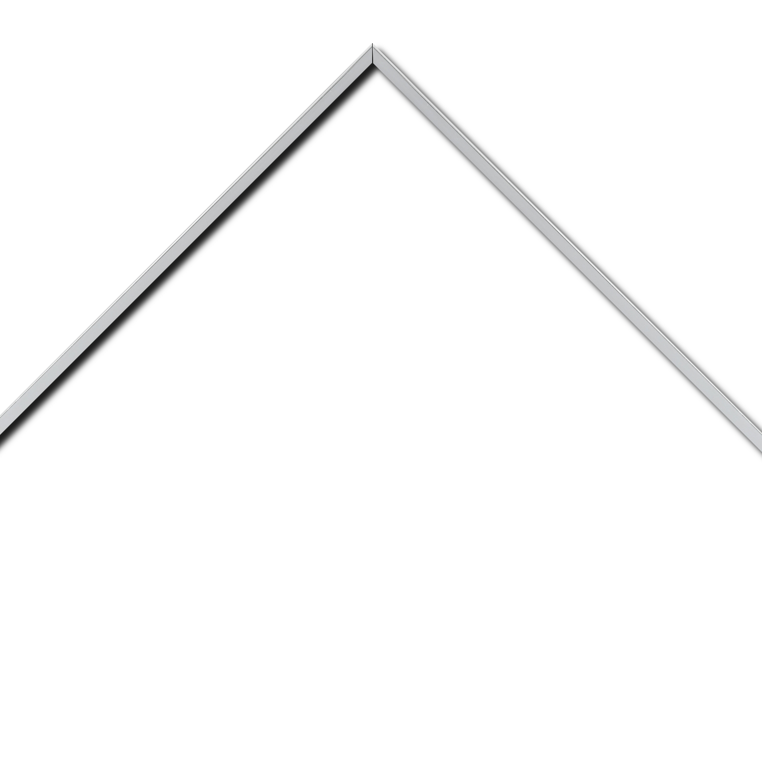 Baguette aluminium profil plat largeur 7mm, couleur argent poli ,(le sujet qui sera glissé dans le cadre sera en retrait de 9mm de la face du cadre assurant un effet très contemporain) mise en place du sujet rapide et simple: il faut enlever les ressorts qui permet de pousser le sujet vers l'avant du cadre et ensuite à l'aide d'un tournevis plat dévisser un coté du cadre tenu par une équerre à vis à chaque angle afin de pouvoir glisser le sujet dans celui-ci et ensuite revisser le coté  (encadrement livré monté prêt à l'emploi )