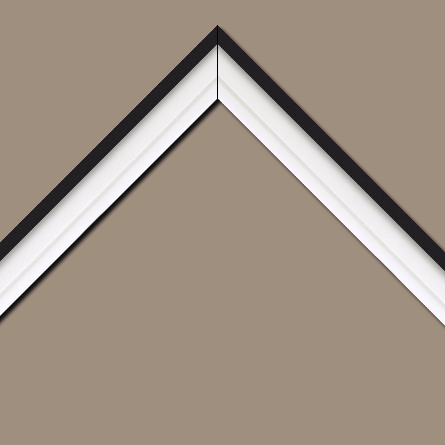 Baguette bois caisse américaine profil escalier largeur 4.4cm blanc mat filet noir (spécialement conçu pour les châssis d'une épaisseur jusqu'à 2.5cm )