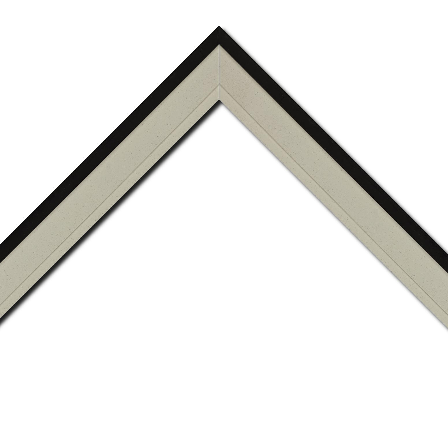 Baguette bois caisse américaine profil escalier largeur 4.4cm couleur taupe clair ,filet noir y compris le coté extérieur (spécialement conçu pour les châssis d'une épaisseur jusqu'à 2.5cm )
