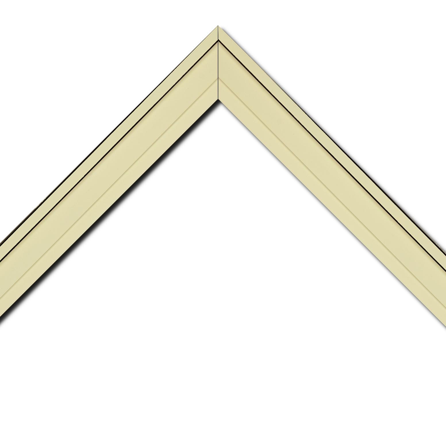 Baguette bois caisse américaine profil escalier largeur 4.4cm crème surligné de 2 traits noirs (spécialement conçu pour les châssis d'une épaisseur jusqu'à 2.5cm )