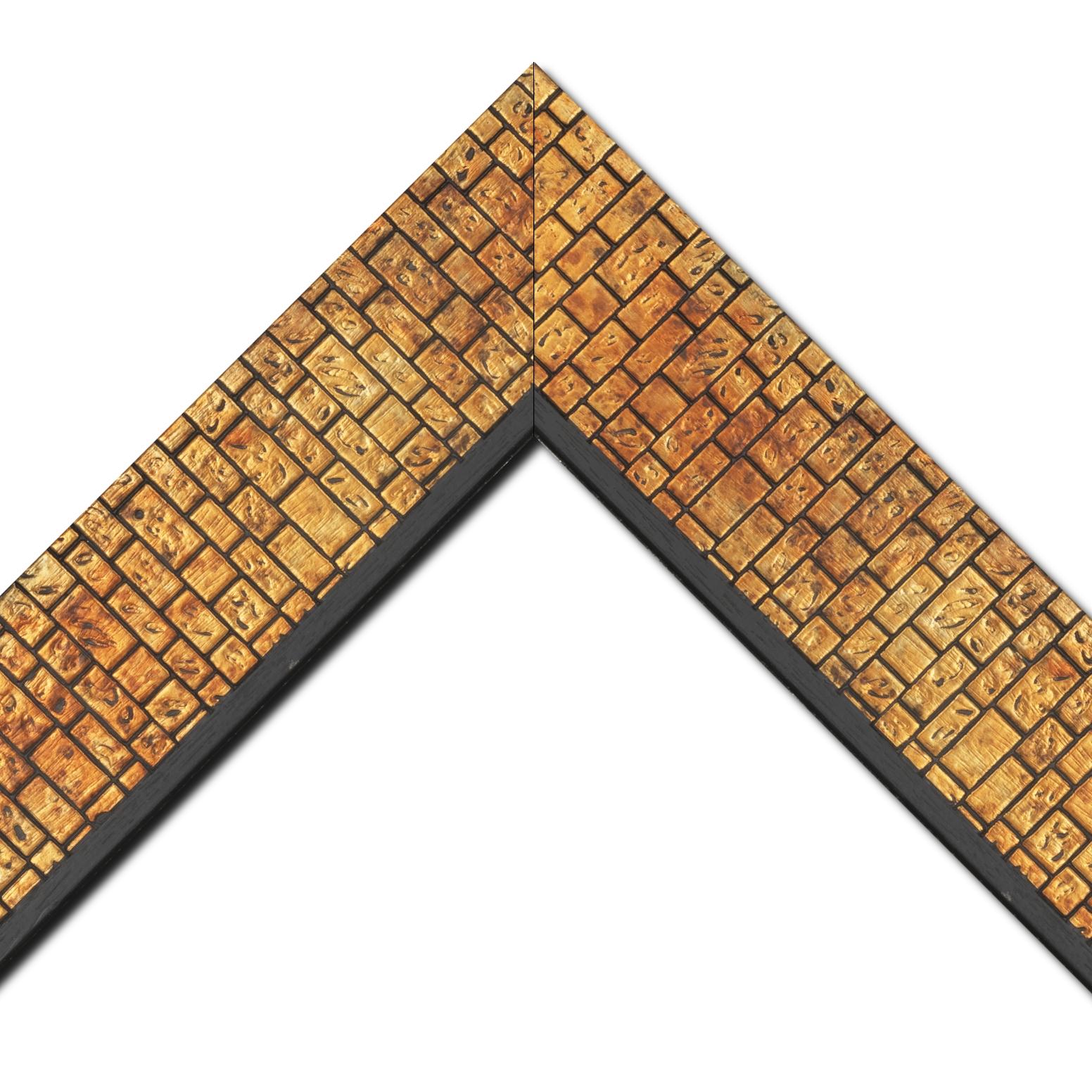 Baguette bois profil plat largeur 9.1cm or cuivré nez noir décor effet mur