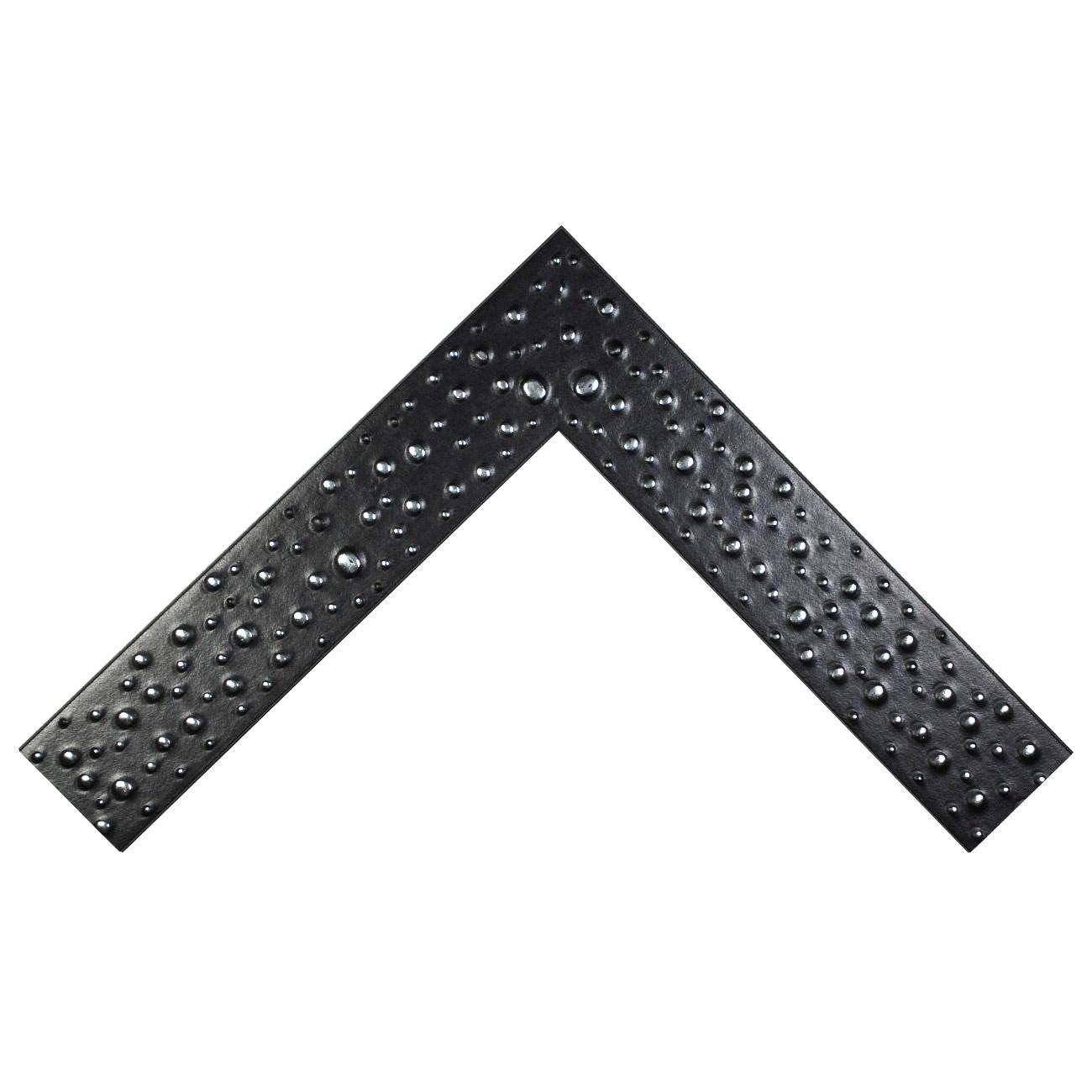 Baguette bois profil plat largeur 6.7cm couleur noir décor gouttes argent froid chromé