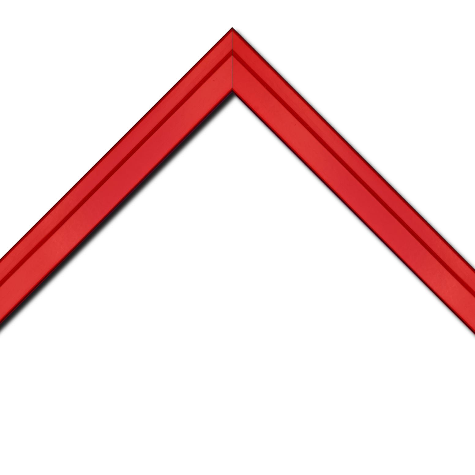 Baguette bois profil plat escalier largeur 3cm couleur rouge ferrari laqué
