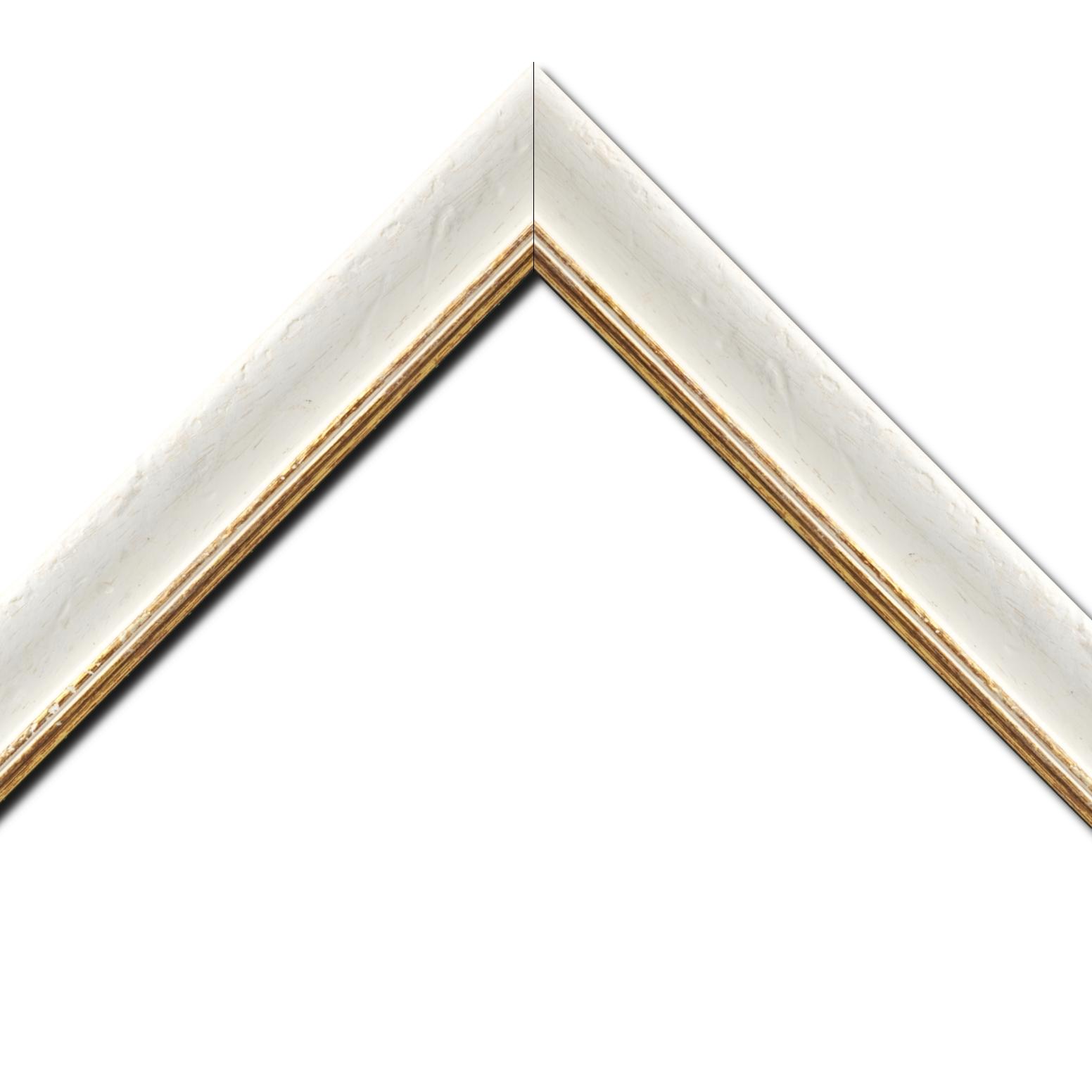 Baguette bois profil incurvé largeur 4.2cm couleur blanchie antique filet or