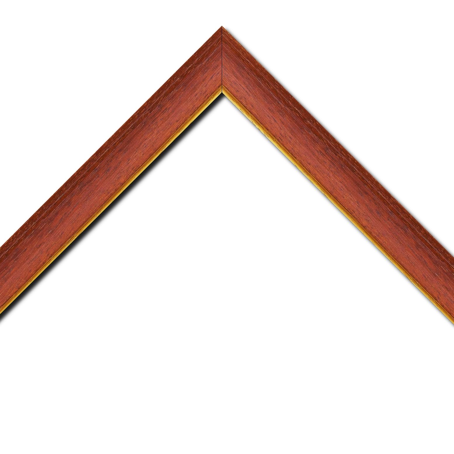 Baguette bois profil incurvé largeur 3.9cm couleur rouge cerise satiné filet or