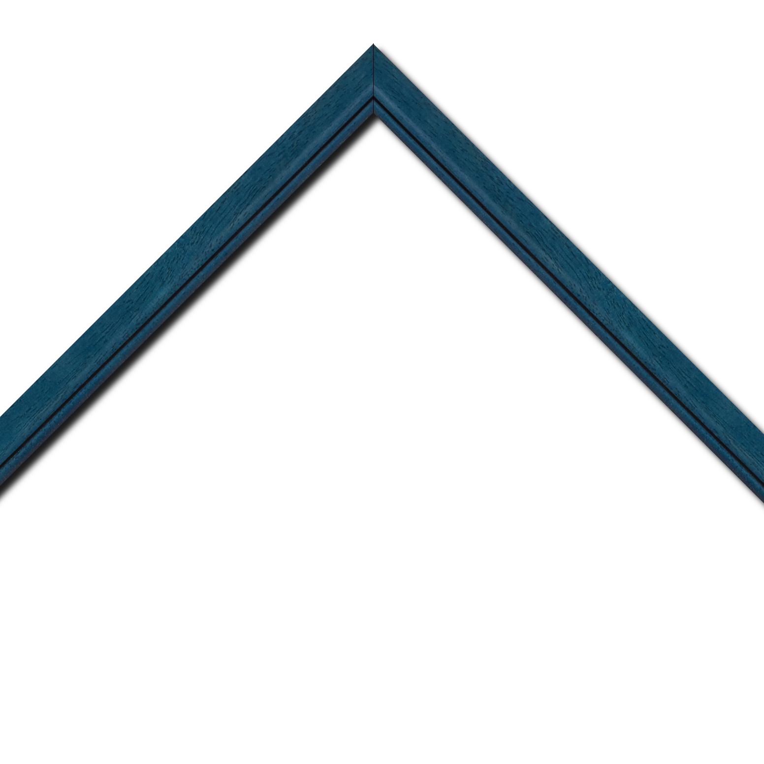 Baguette bois profil bombé largeur 2.4cm couleur bleu cobalt satiné filet noir