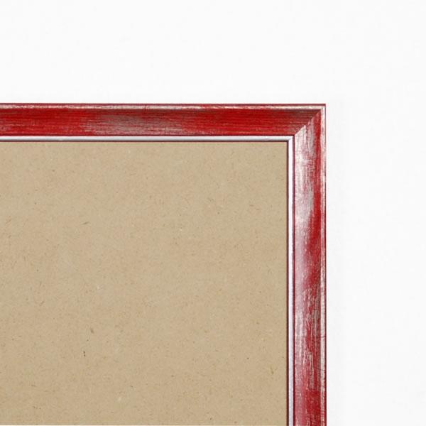 Cadre cadre bois profil plat en pente largeur 19mm complet de couleur rouge fond argent dimensions 10x15 cm, à poser ou à suspendre horizontalement ou verticalement. verre normal, mise en place du sujet dans le cadre simple et rapide, ouverture et fermeture du cadre par pointes flexibles. fond en isorel. - 10x15