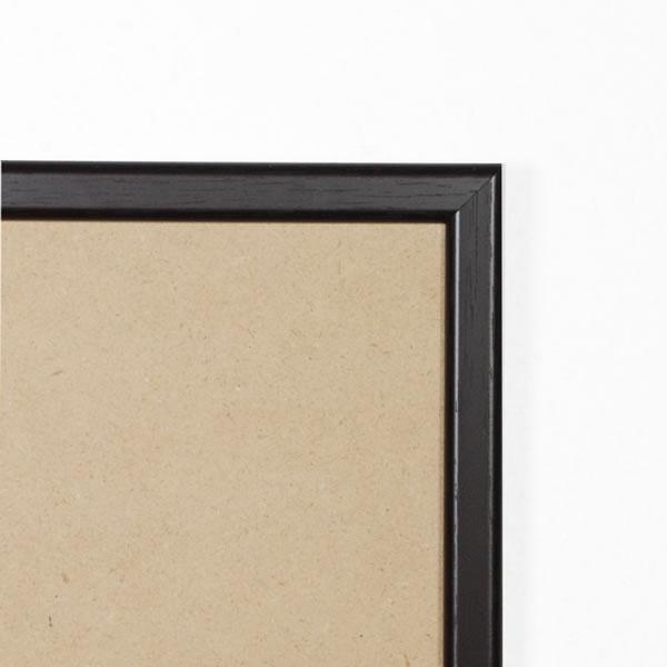 Cadre cadre résine profil plat largeur 15mm complet de couleur noir ébène dimensions 18x24 cm, à poser ou à suspendre horizontalement ou verticalement.  verre normal, mise en place du sujet dans le cadre simple et rapide, ouverture et fermeture du cadre par pointes flexibles. fond en isorel. - 18x24