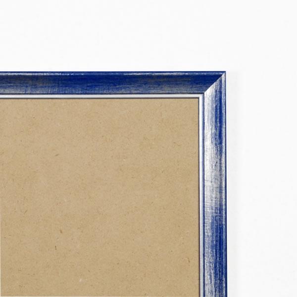 Cadre cadre bois profil plat en pente largeur 19mm complet de couleur bleu fond argent dimensions 20x20 cm, à suspendre. verre normal, mise en place du sujet dans le cadre simple et rapide, ouverture et fermeture du cadre par pointes flexibles. fond en isorel. - 20x20