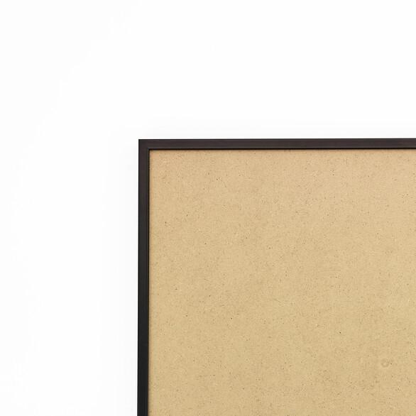 Cadre cadre aluminium profil plat largeur  1cm (référence : aluca-2129-noi) dimension 21x29,7cm (format a4) de couleur noir satiné complet (plexi normal traité anti uv + attache de suspension sur charnière dans les 2 sens sertie dans l'isorel) cadre fabriqué à vos mesures dans nos ateliers de besancon - 21x29.7